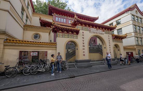 Amsterdam_Zeedijk-tempel-chinatown