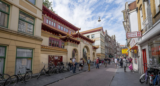 Amsterdam_Zeedijk-chinatown-tempel