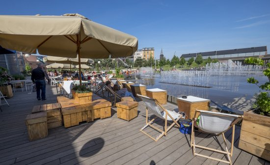Antwerpen_park-spoor-noord-zomerbar-cargo