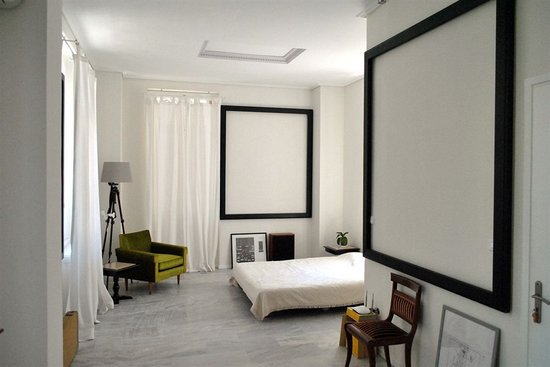 Athene_Alice_Inn_hotel_01.jpg