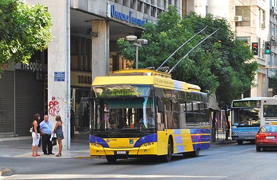 Athene_Bus_Athens_Neoplan_N6216_trolleybus_8073.jpg