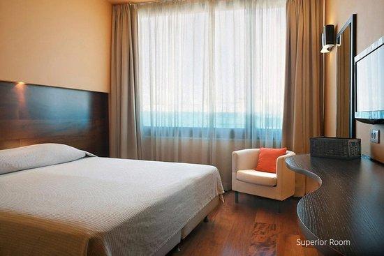 Athene_Center_Square_hotel_2.jpg