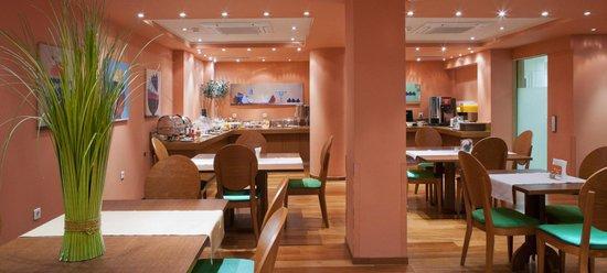 Athene_Center_Square_hotel_3.jpg