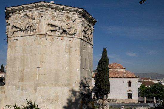 Athene_romeinse-agora-toren-zeven-winden