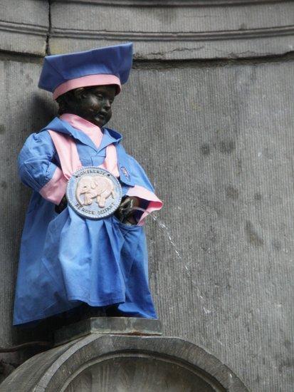 Brussel_Manneken_Pis_outfit_delirium_tremens