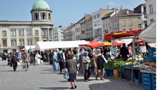 Brussel_gemeenteplein-molenbeek-markt