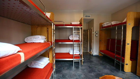Brussel_train-hostel