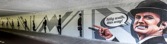 Eindhoven_Dommeltunnel-silly-walk
