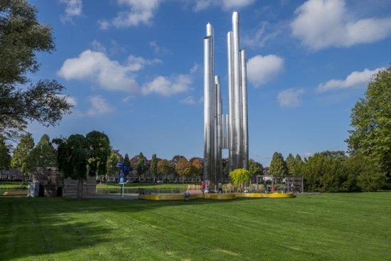 Eindhoven_Henri_Dunant_Park_04.jpg