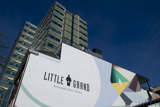Eindhoven_Little_Grand_hotel