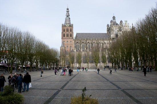 Eindhoven_Sint_Jan.jpg