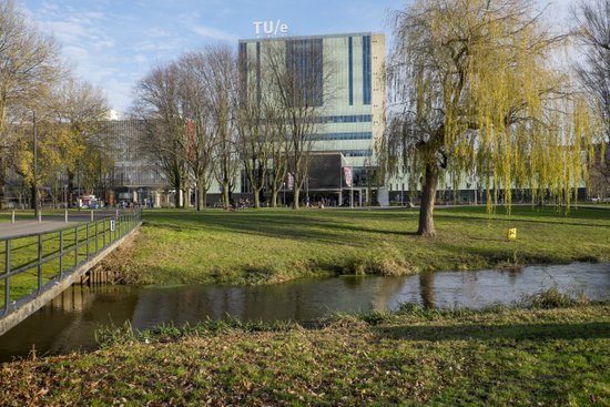 Eindhoven_TUe_-_Dommel_04.jpg