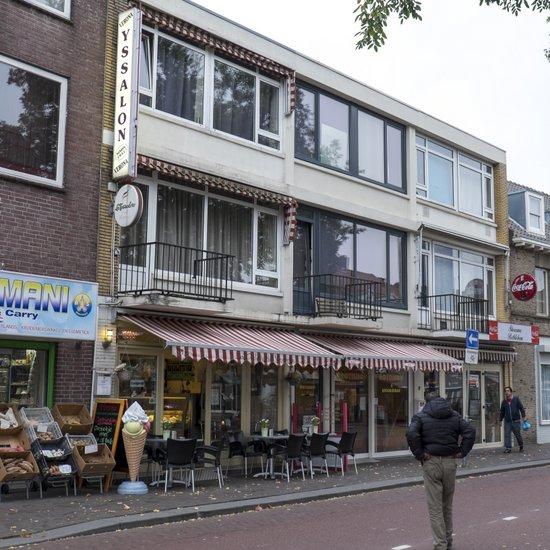 Eindhoven_Verona_ijssalon_01.jpg