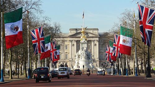 Londen_buckingham_palace_4.jpg
