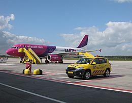 Praag_Wizzair-at-Eindhoven-Airport.jpg