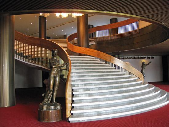 Praag_hotel-praha-stairs.jpg