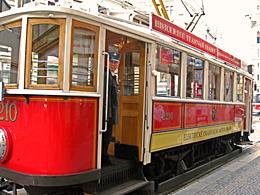 Praag_nostalgische-tram-1.jpg