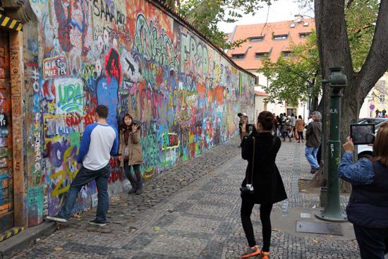 Praag_john-lennon-muur