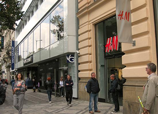 Praag_shoppen_wenceslasplein_1.JPG