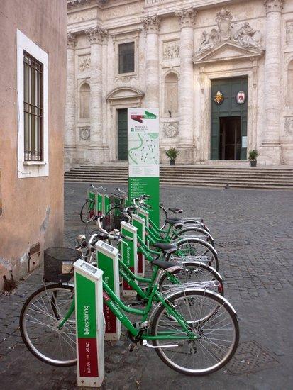 Rome_Bike_sharing_roma_roma'n'bike.JPG