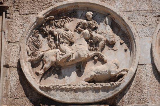 Rome_Colosseum-boog-van-constantijn