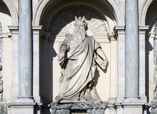 Rome_Fontana_dell'Acqua_Felice,_statue_of_Moses.jpg