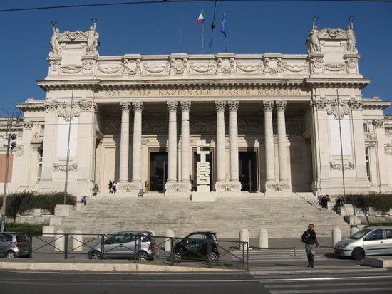 Rome_Galleria_nazionale_d'arte_moderna,_front.jpg