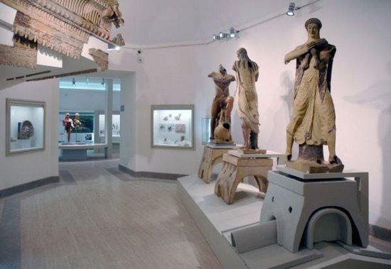 Rome_Museo_Nazionale_Etrusco_di_Villa_Giulia_3.jpg
