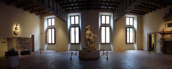 Rome_Palazzo_Altemps_-_salone_1010560-1.JPG