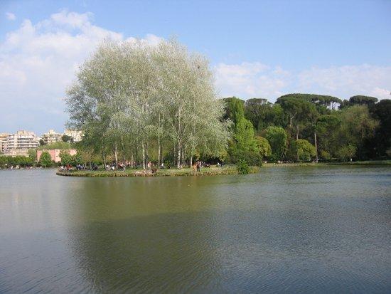 Rome_Villa_Ada_-_isola_(1).JPG