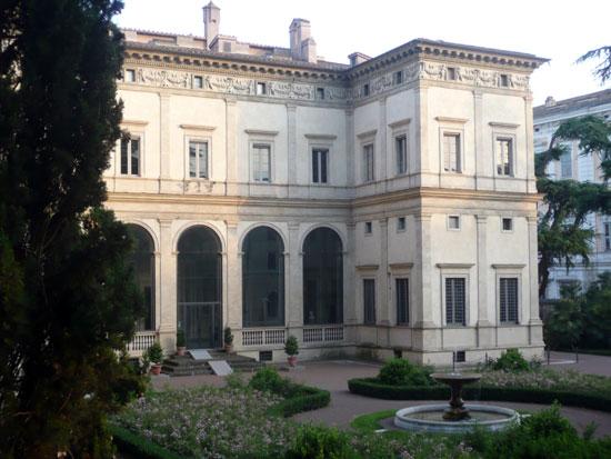 Rome_Villa-Farnesina