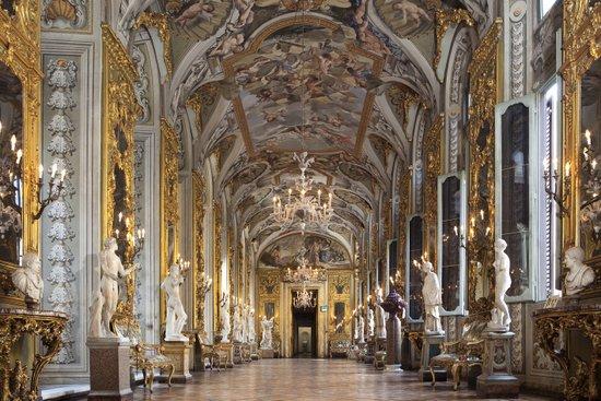 Rome_palazzo-doria-pamphilj.jpg