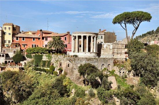 Rome_villa-gregoriana-tivoli-3.jpg