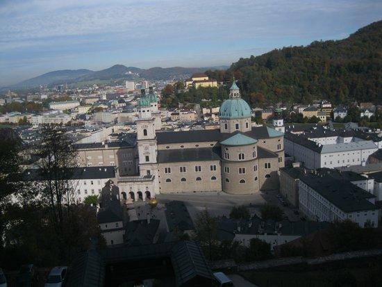 Salzburg_Dom_vanaf_de_Hohensalzburg