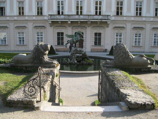Salzburg_Schloss_Mirabell-mirabellgarten