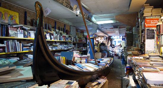Venetie_Libreria-Acqua-Alta