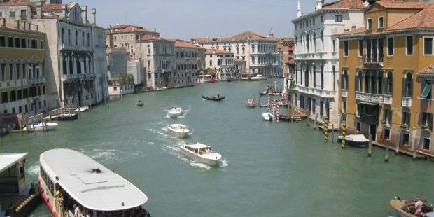 Easyjet breidt uit in Milaan, Venetie en Napels